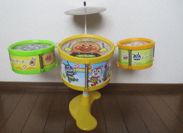 おもちゃのドラム